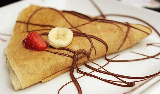 Clatite cu banane si ciocolata