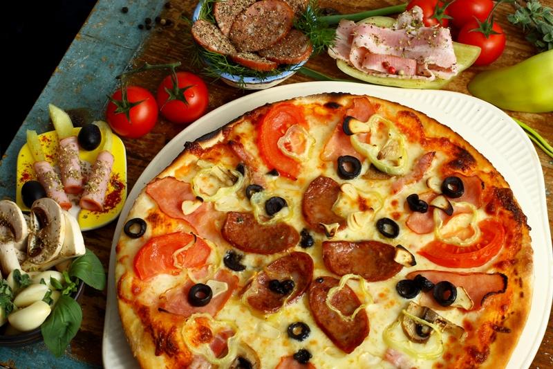 Pizza Paesana